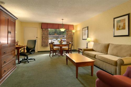 Red Lion Hotel Coos Bay Photo