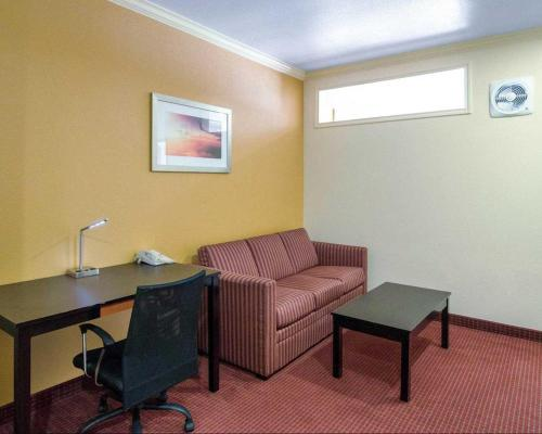 Quality Suites Intercontinental Airport West - Houston, TX 77032