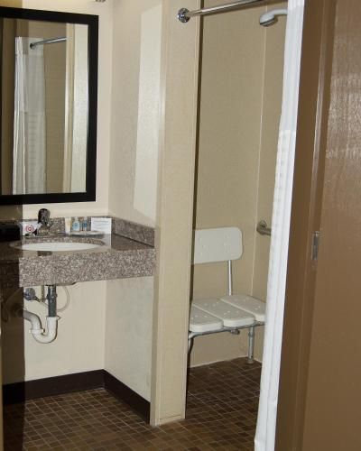 Comfort Inn & Suites Raphine Photo