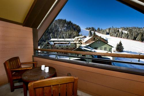 Zephyr Mountain Lodge Photo