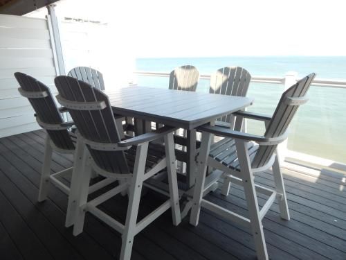 Put-in-Bay Waterfront Condo #207 Photo