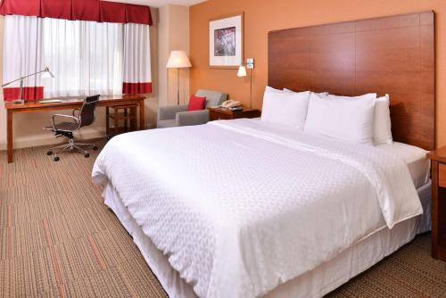 Four Points by Sheraton Detroit Metro Airport Photo