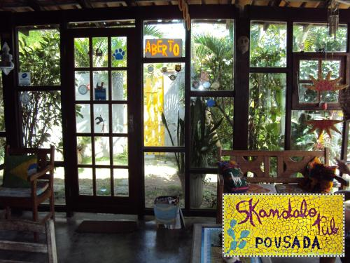 Skandalo Pub Pousada Photo