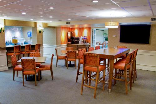 Best Western Plus Siesta Key Gateway - Sarasota, FL 34231