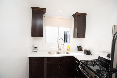 E412 Beautiful Studio in the Heart of Hollywood - Los Angeles, CA 90046