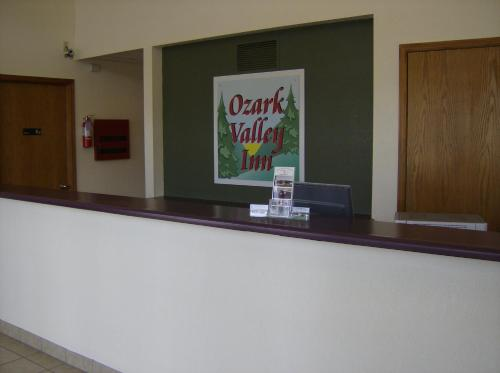 Ozark Valley Inn Photo