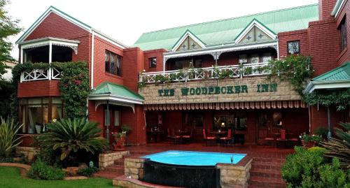 The Woodpecker Inn Photo
