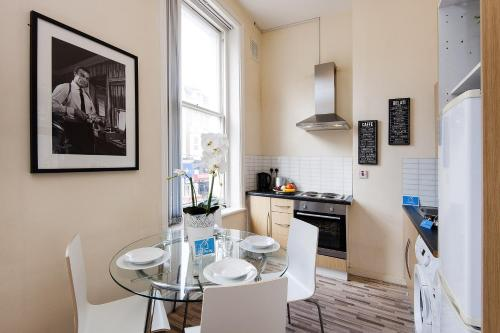 The Earls Court Townhouse photo 21