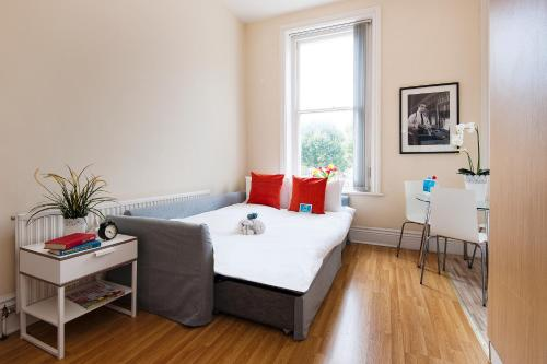 The Earls Court Townhouse photo 26