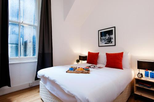 The Earls Court Townhouse photo 29