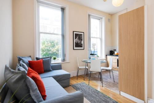 The Earls Court Townhouse photo 33