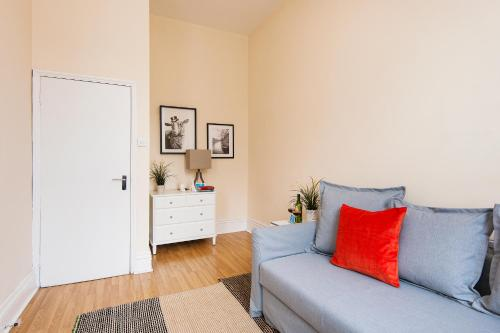 The Earls Court Townhouse photo 35