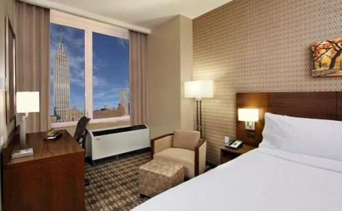 Hilton Garden Inn New York/Midtown Park Avenue Photo