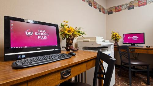Best Western Plus Country Inn & Suites Photo