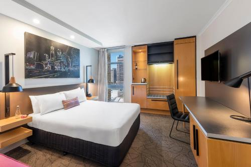 Mercure Brisbane King George Square photo 44