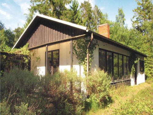 Three-Bedroom Holiday Home in Hollviken, Höllviken