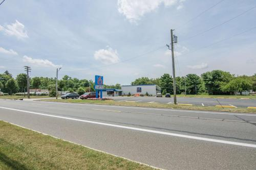 Motel 6 Glassboro Rowan University Photo