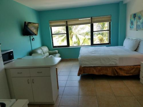 Ocean Front Resort Apartments w/Parking Included Photo