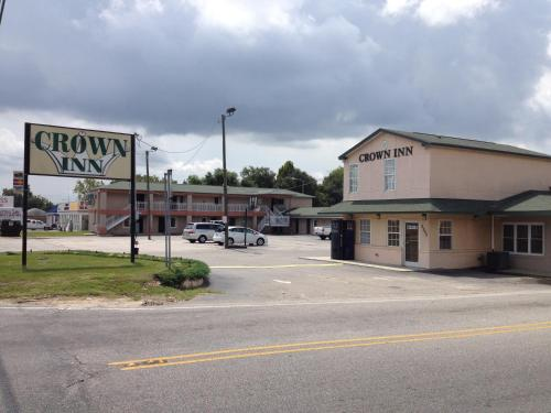 Crown Inn Fayetteville 2502 Gillespie Street Nc Hotels Motels Mapquest