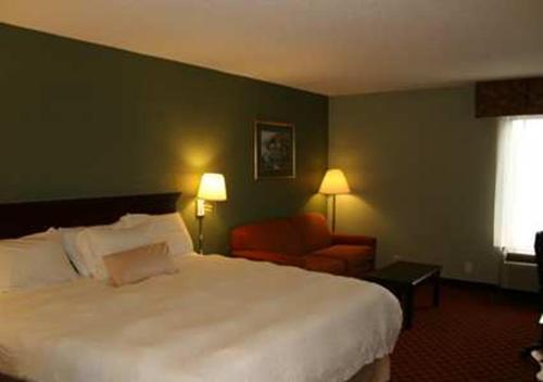 Hampton Inn - Hillsville Photo