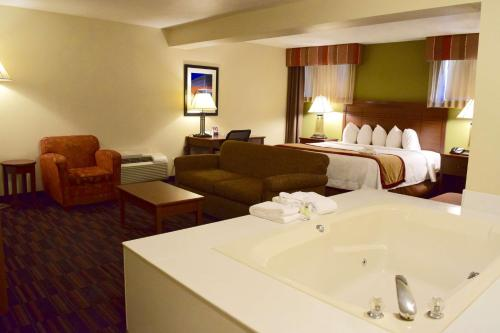Best Western Town and Country Inn Photo