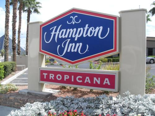 Hampton Inn Tropicana Las Vegas Photo
