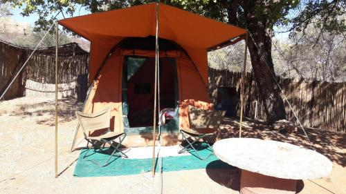BaseCamp Tented Camp, Outjo