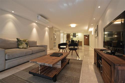 Canal Quays Apartments Photo