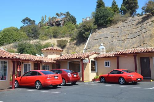 Tamalpais Motel - Mill Valley, CA 94941
