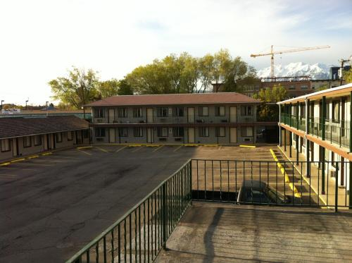 Provo Inn & Suites Photo