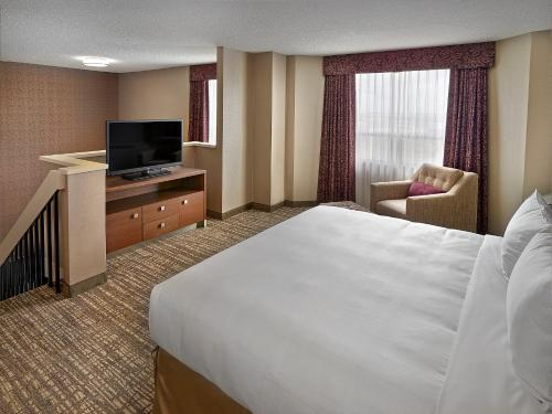 DoubleTree by Hilton West Edmonton Photo