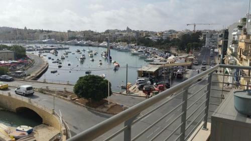 Shore Bridge House, Il-Gżira