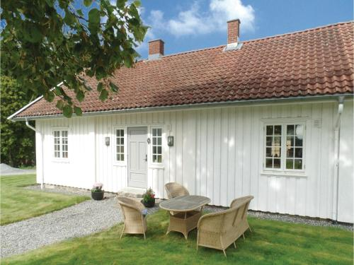 One-Bedroom Holiday Home in Tomter, Tomter