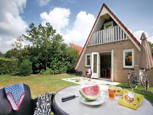 Three-Bedroom Holiday home in Plasmolen, Plasmolen