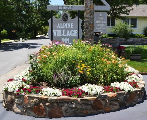Alpine Village Inn - Blowing Rock Photo