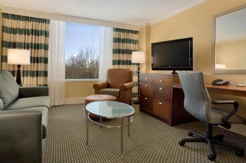 Hilton Stamford Hotel And Executive Meeting Center - Stamford, CT 06902