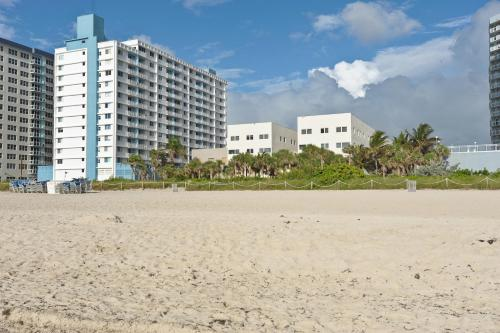 Crystal Beach Suites Hotel Photo