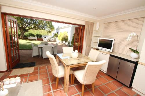 Constantia Garden Suites Photo