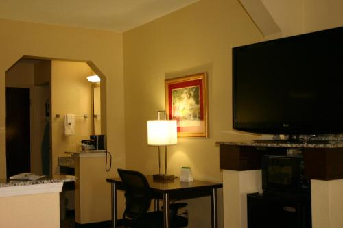 Best Western Knoxville Suites Photo