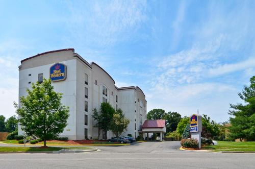 Best Western Louisville East Photo