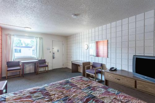 Motel 6 Missoula East Photo