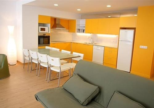 Apartamentos Rent4days Sants Apartments thumb-4