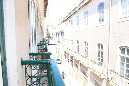 Hotel Shortstayflat Central Apartments - Cais Do Sodre thumb-2