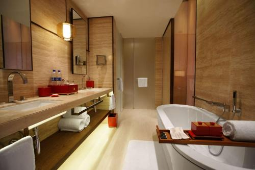Twelve at Hengshan, A Luxury Collection Hotel, Shanghai photo 52