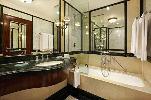 Hotel Grande Bretagne, a Luxury Collection Hotel photo 135