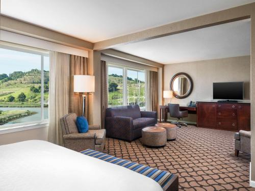Sheraton Sonoma County Petaluma Photo