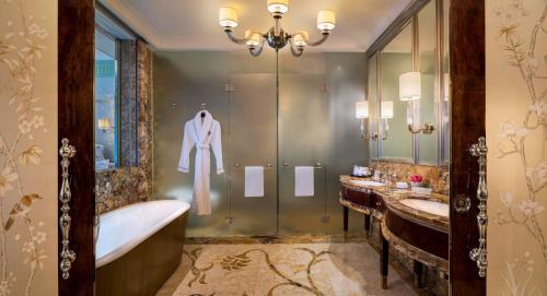 The St. Regis Singapore photo 85