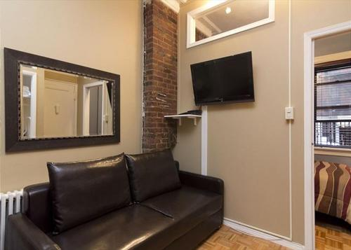 Chic 2 Bedrooms near Times Square photo 28