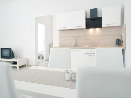 Apartment Na Šanci – easily accessible & quiet