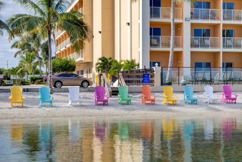 Hutchinson Island Plaza Hotel & Suites Photo